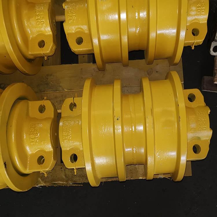 小松推土机支重轮 D355支重轮 小松推土机四轮一带 小松推土机底盘件 厂家直销