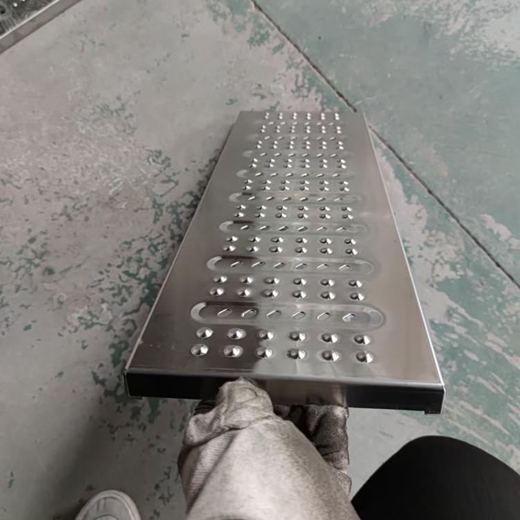 沟盖板厂家 供应不锈钢沟盖板 加厚不锈钢沟盖板 厨房排水沟盖板 防滑防鼠下水道盖板