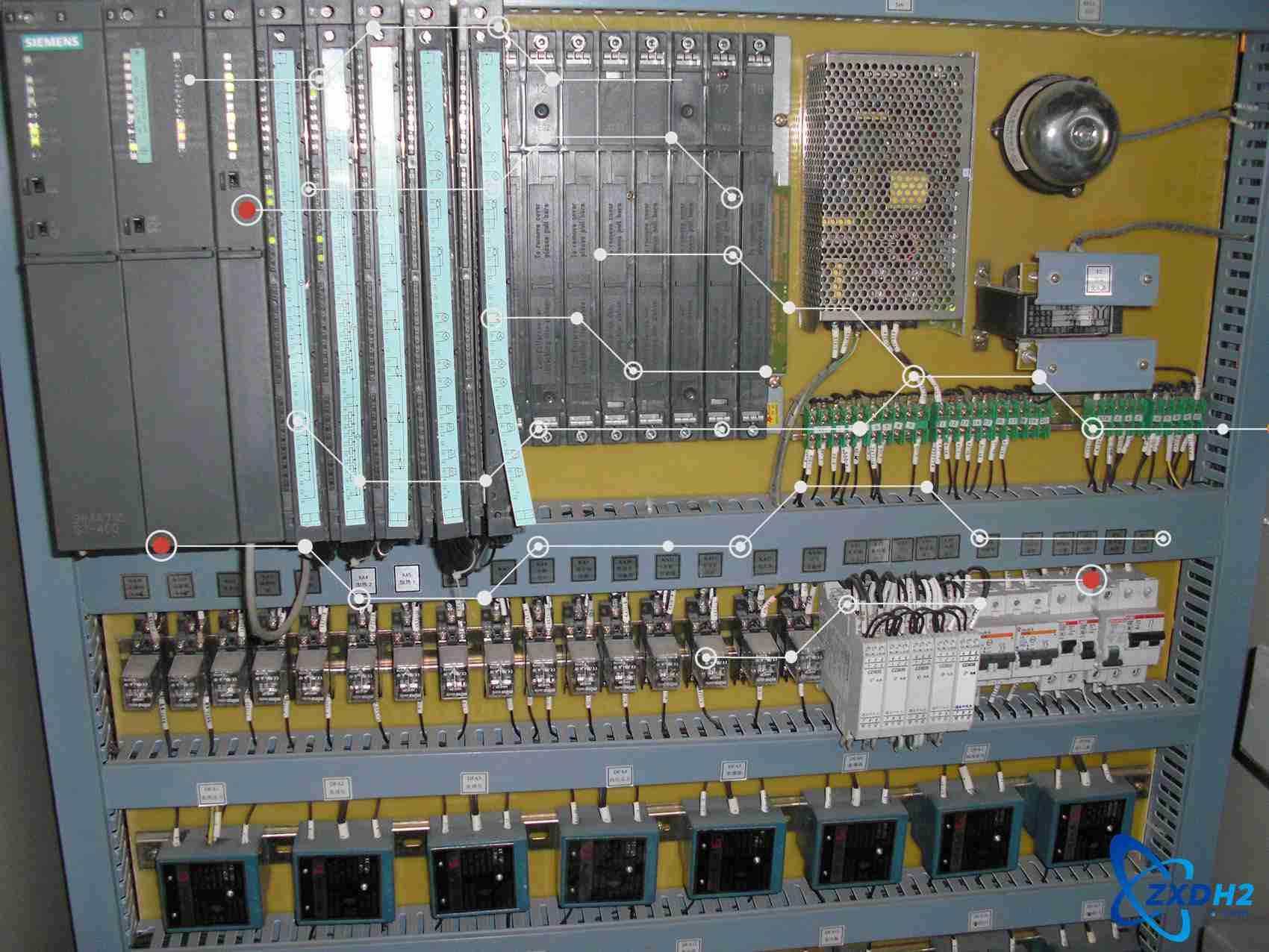 控制柜内部2