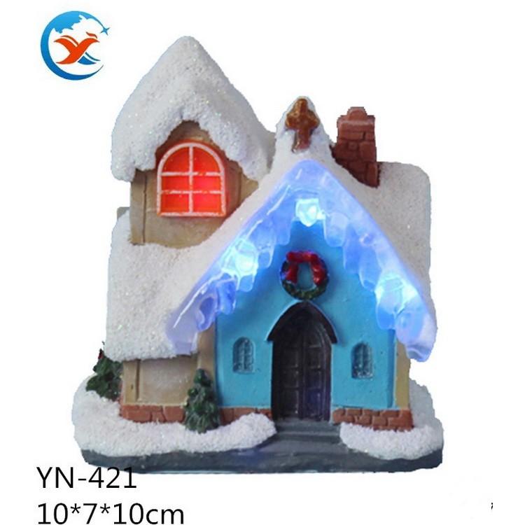 亿诺创意家居圣诞教堂 树脂工艺品 欧式电动音乐LED 摆件工艺品 树脂定制工厂  树脂源头工厂