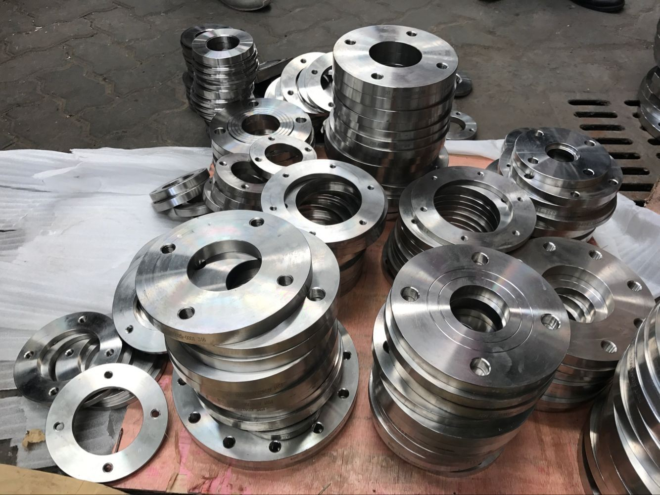 不锈钢流体水管用法兰 接管尺寸Φ159